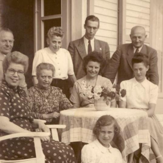 Familie Wegner 50er.JPG