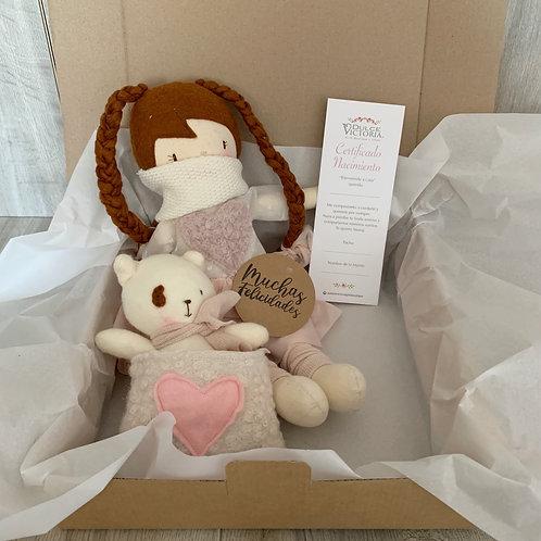 Set muñeca Kuky + Perro mochila + certificado