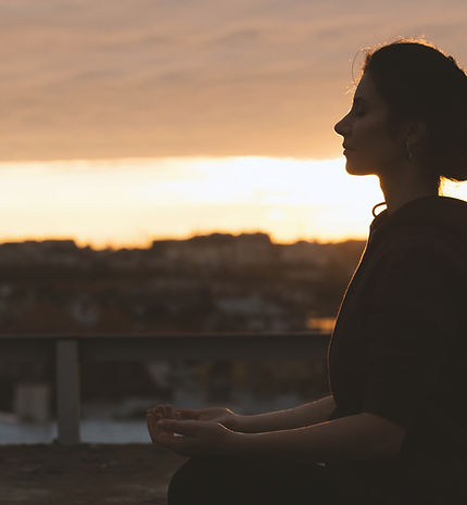 mujer Meditar