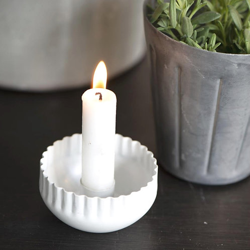 Kerzenhalter mit gewellter Kante weiss