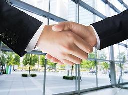 契約の握手.jpg