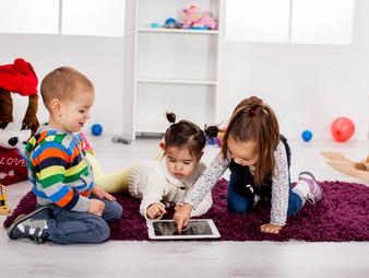 Niños conectados Adultos desconectados