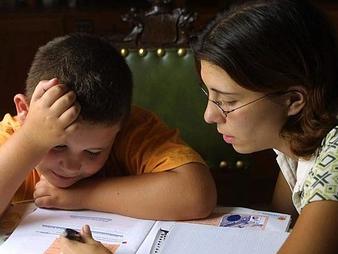¿Cómo ayudar a tu hijo a tener éxito en los exámenes?