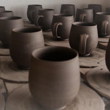 mugs drying