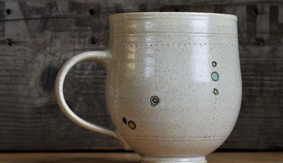 curvy mug