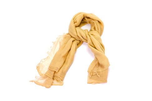Темно-желтый шарф