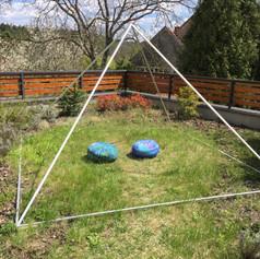 Meditační pyramida na jaře