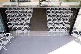 Unique setup of indoor + outdoor seating