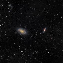 M81M82