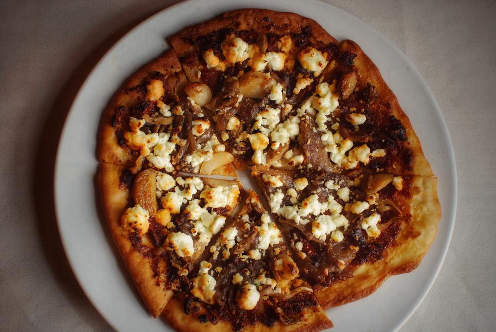 Roasted Garlic & Mushroom Pizza