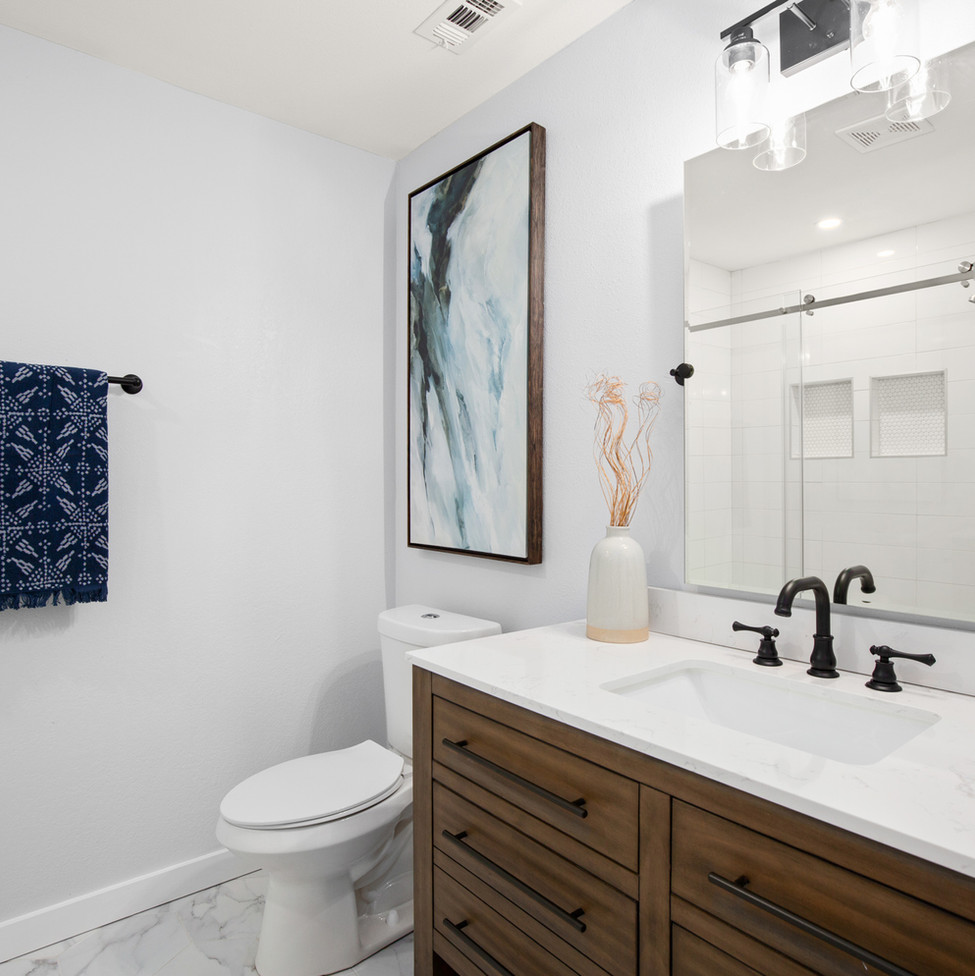 Downs Master Bathroom