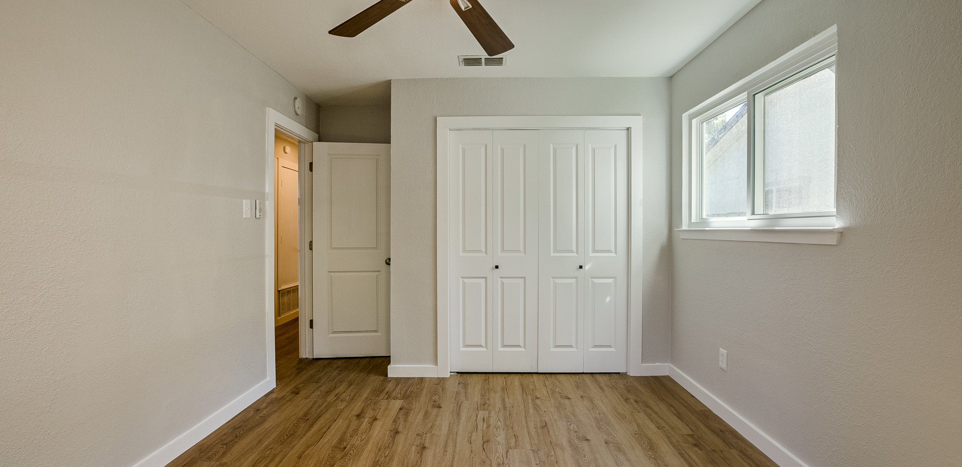 Burly Oak Bedroom