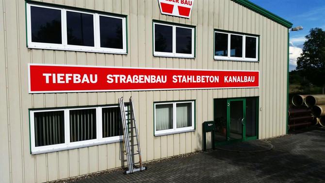 Neue Fassade für unser Unternehmen