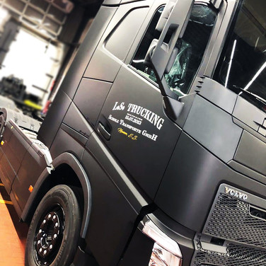 VOLVO FH Black EDITION