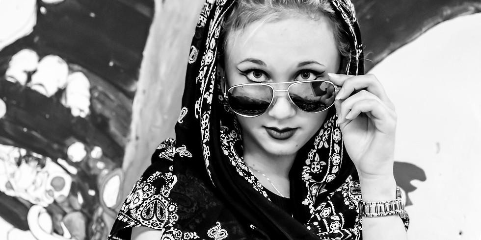 Lifestyle / Fashion Portrait