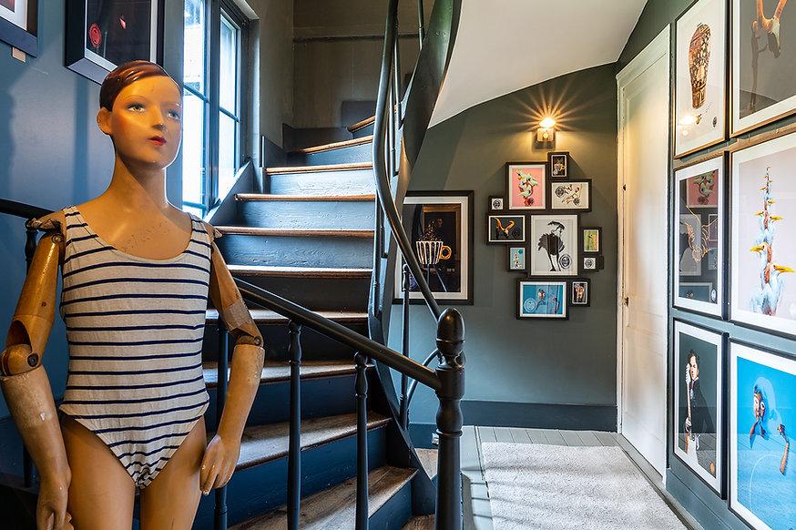 Le10_honfleur_Lappartement-escalier.jpg