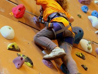 Mobil'Grimpe lance ses cours d'escalade pour les scolaires.