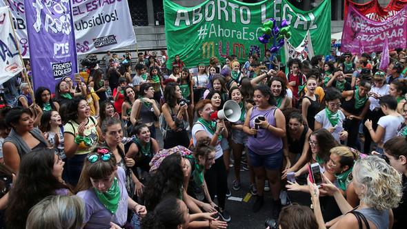 Le 14 juin, l'UDC romande soutient une fondation anti-avortement