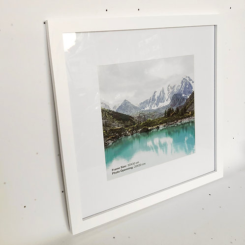 30x30 מסגרת עץ לבנה