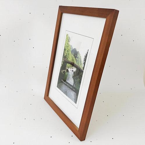 A4 מסגרת עץ חום אדמדם