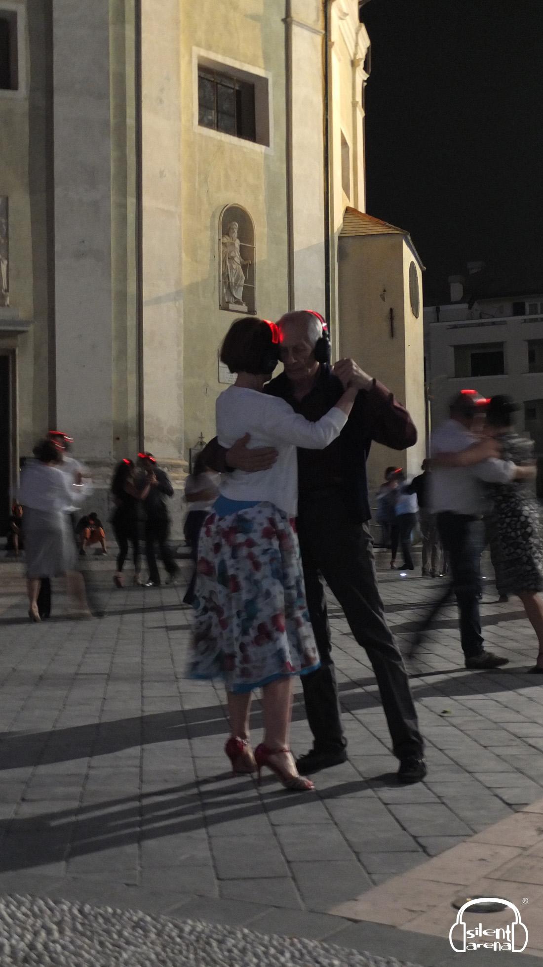 Silence On Danse