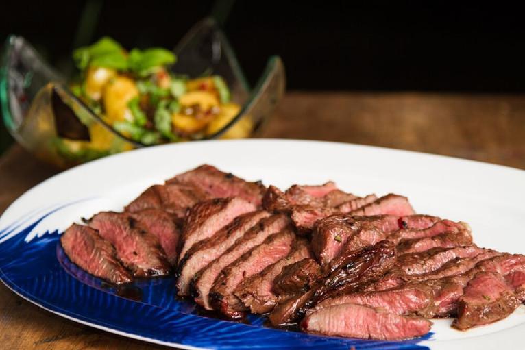 """""""Caramel"""" steak"""