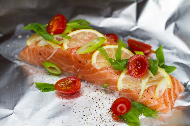 Easy oven steamed salmon