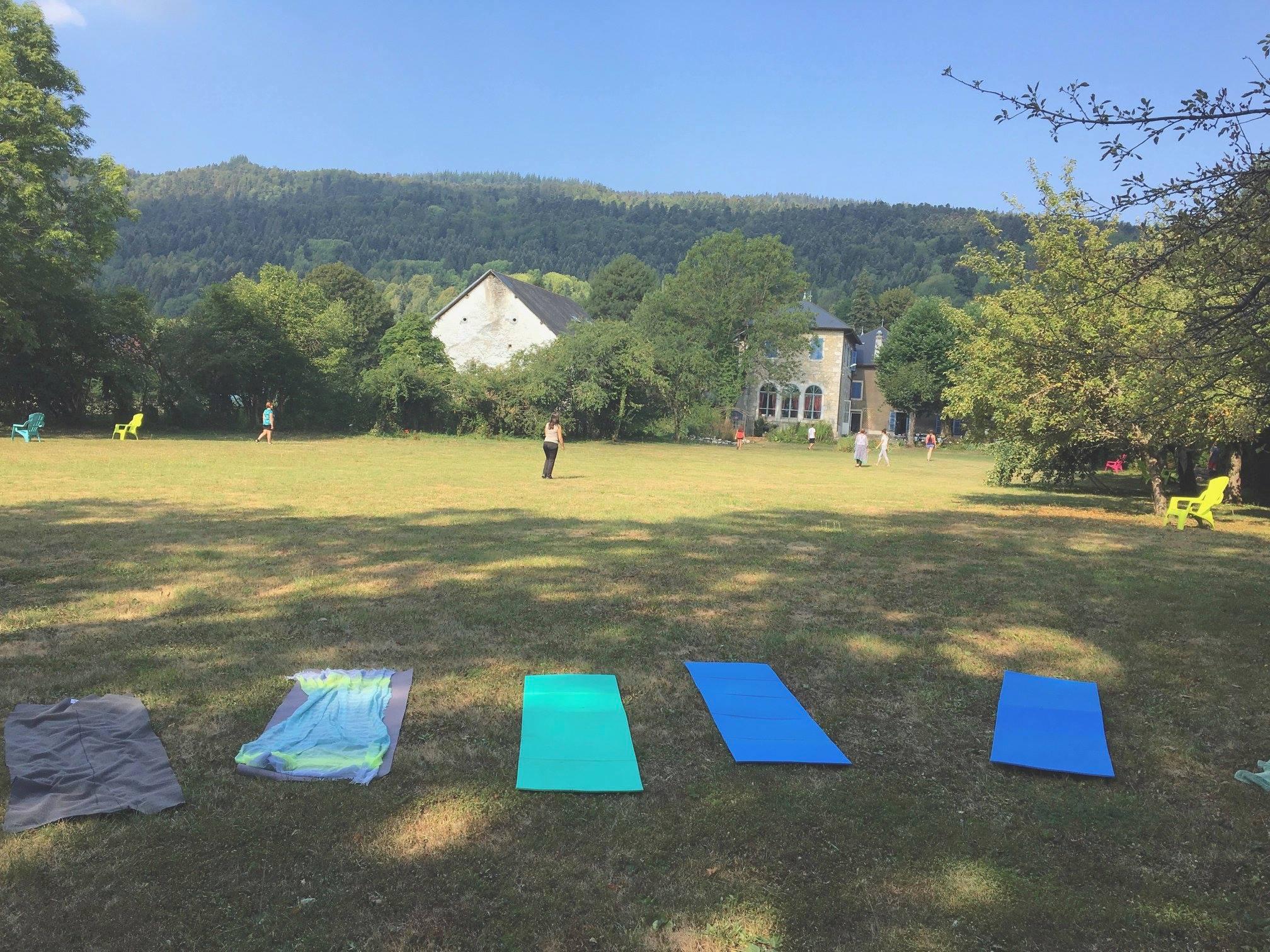 parc et tapis yoga