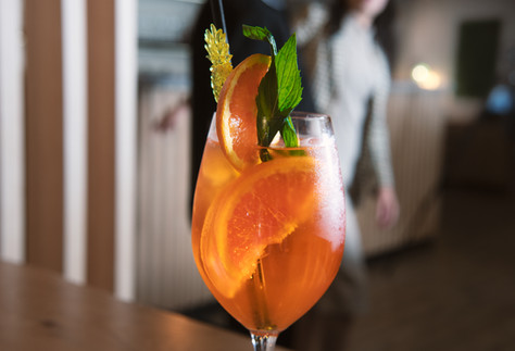 cocktail-lithgow-frankies-restaurant-bar