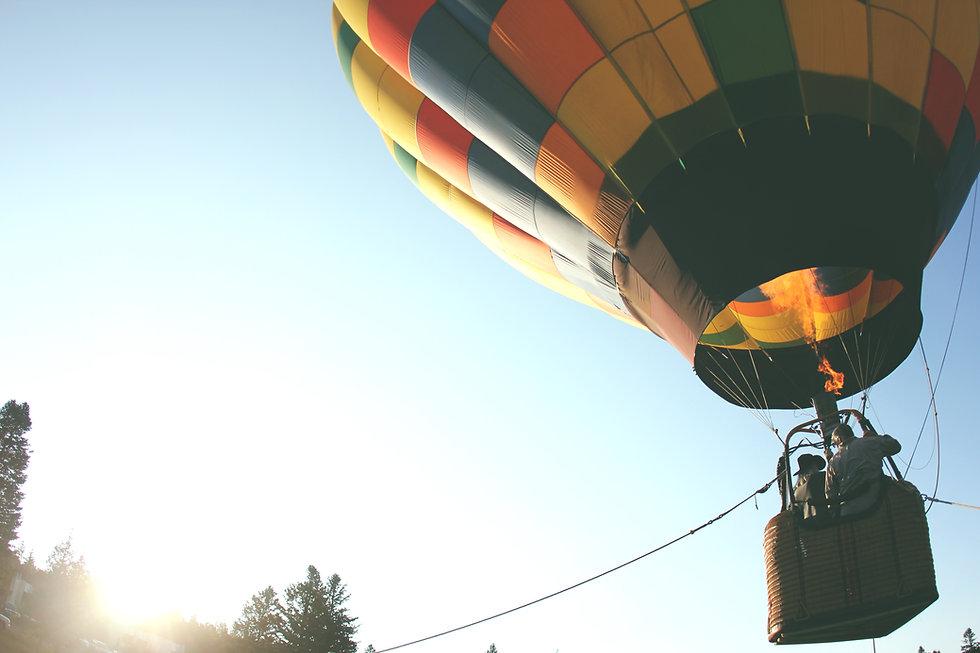 hot-air-balloon-401545.jpg