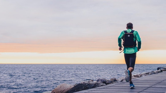 IAMRUNBOX kickstartar sin nya ryggsäck!