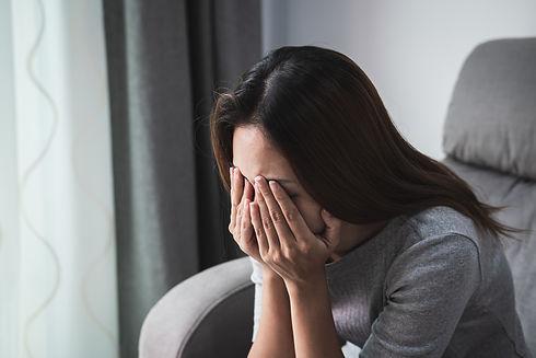 depressed-sadness-woman-crying-alone-hom