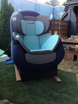 8 foot tall baby seat
