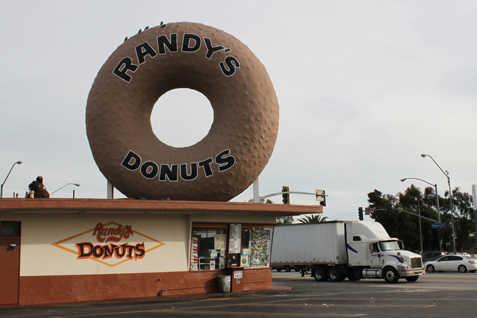 Randy's donuts - Los Angeles
