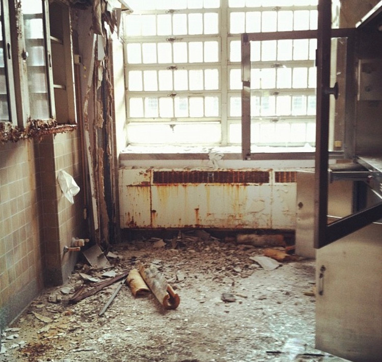 Abandoned. Abandoned Photography. Urban Exploration. Urbanex. Photography. Hospital. Abandoned hospital. Mental Hospital. Insane Asylum. New York. Poughkeepsie. Hudson River State Hospital.