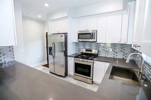 12608 Vanowen-Kitchen 15.jpg