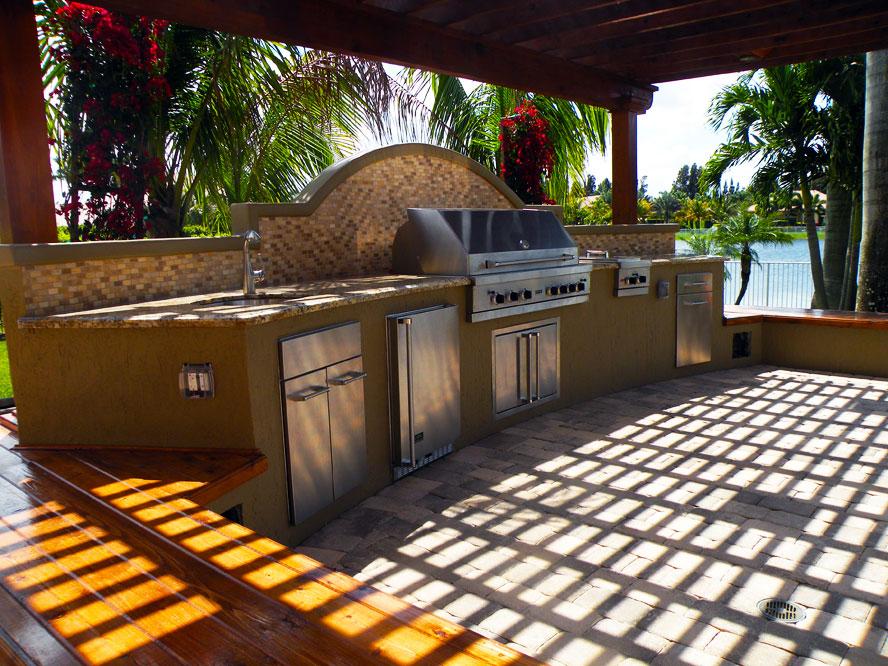 Custom-Outdoor-Kitchen-Robert-Coggins-00129