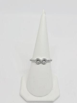 Prsten Infinity sa Cirkonima