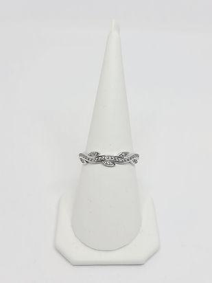 Prsten Grana sa Listovima