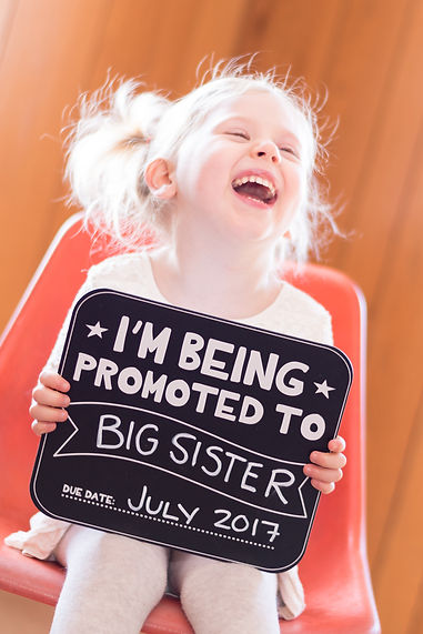 Children and Baby Annoucement Photos and photography sessions. Bring promoted to big sister. Being promoted to big brother. Only child being expired. Maternity Photoshoot. Ct photography. Best Maternity Photographer. Best Baby Announcement. Best Gender Reveal. Best baby shower.