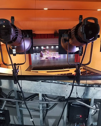 stage lights .jpg