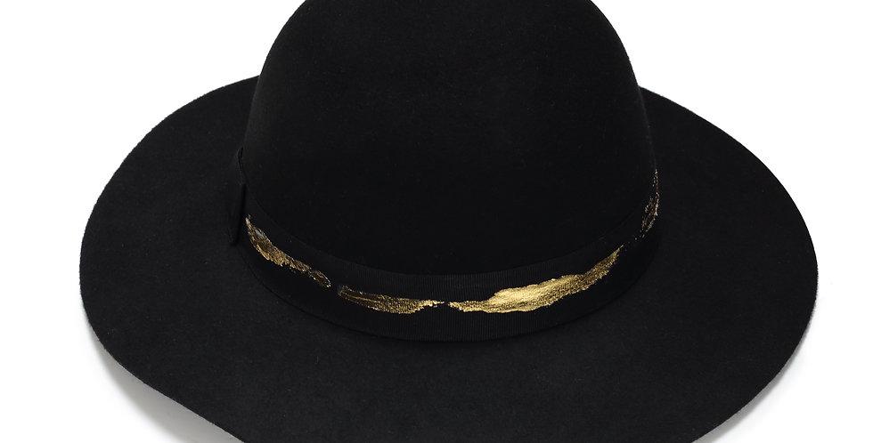 כובע לבד  עם פס זהב - ג׳סטין