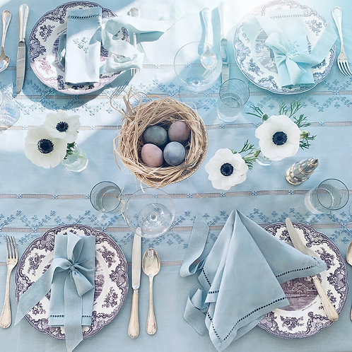 Cerulean Blue Tablescape