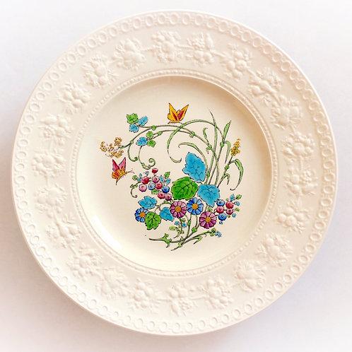L'Heure Bleue Wedgwood Creamware Dinner Plates