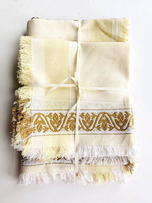 Vintage Jaquard Weave Rectangular Tablecloth and Napkin Set