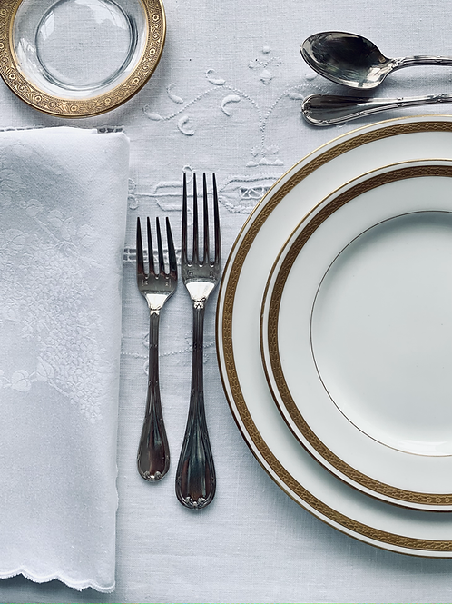 Simply Classic  Tablescape