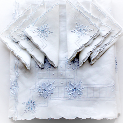 Blue Mist Tablecloth and Napkin Set for 6