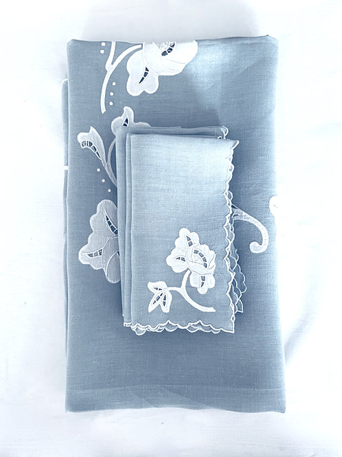 Silver Rose Tablecloth and Napkin Set