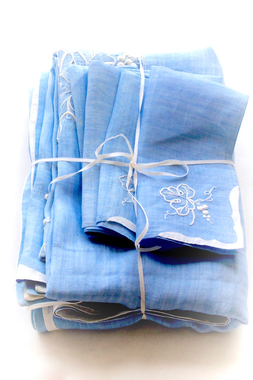 L'Heure Bleue Tablecloth and Napkin Set for 8