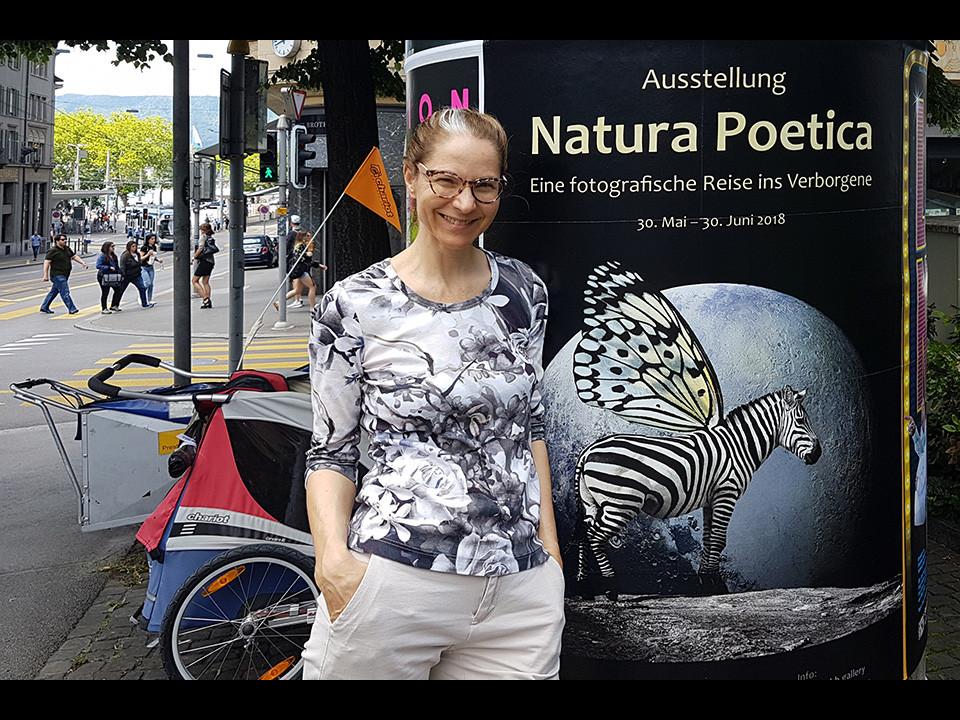 Plakat am Bellevue, Zürich